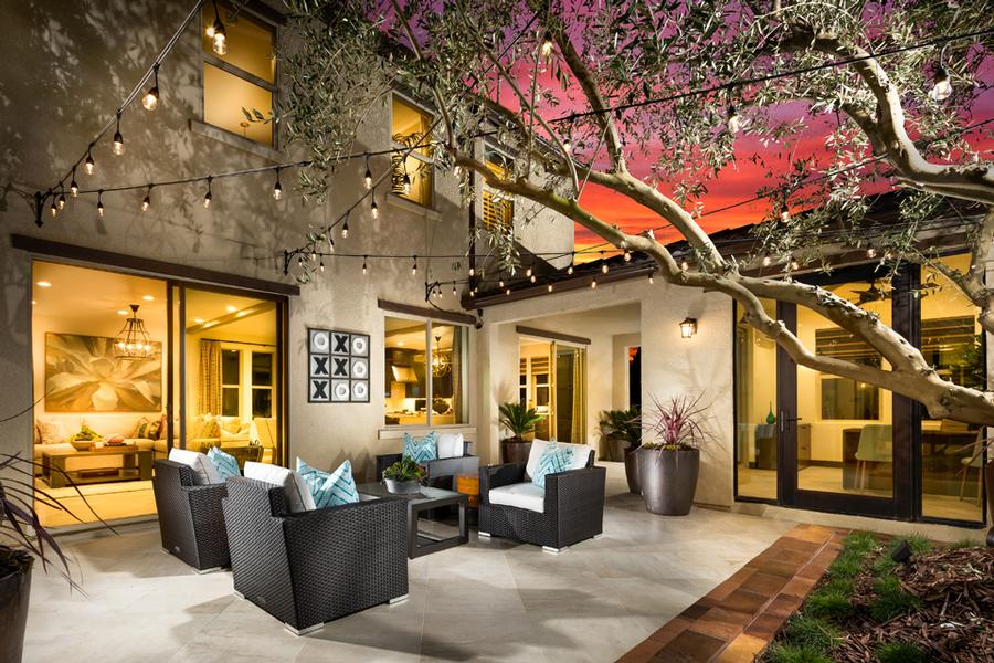 Santerra Residence Three Courtyard